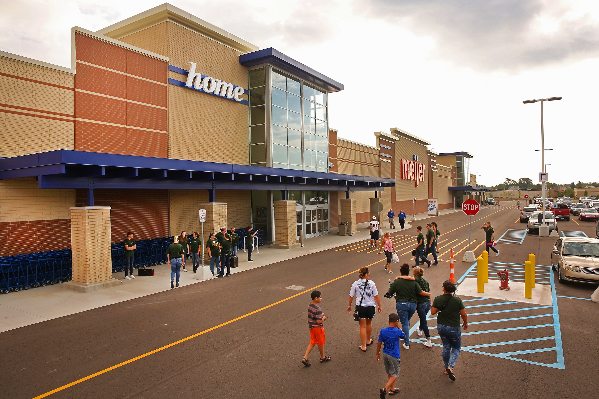 Meijer doubles down on the big box