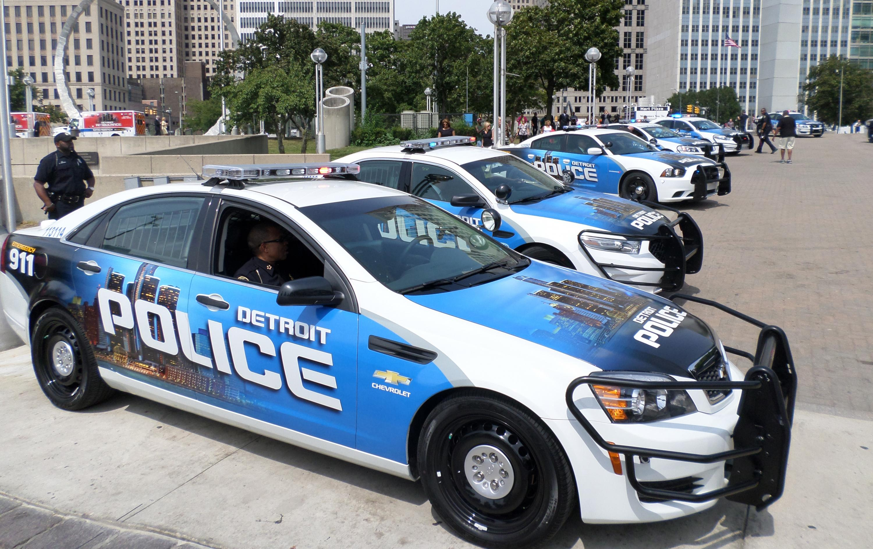 detroit welcomes new ambulances police cars donated by local businesses